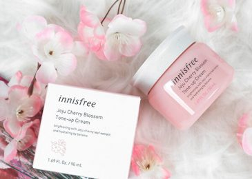 Kem dưỡng da Innisfree Jeju Cherry Blossom Cream Tone Up Cream 50ml giảm 48%